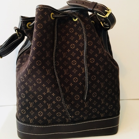 0917c5fb614 Louis Vuitton Handbags - Authentic Louis Vuitton mini Lin Large Noe Ebene